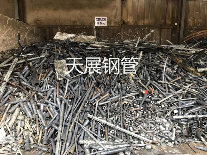 废管头定点堆放,统一回收